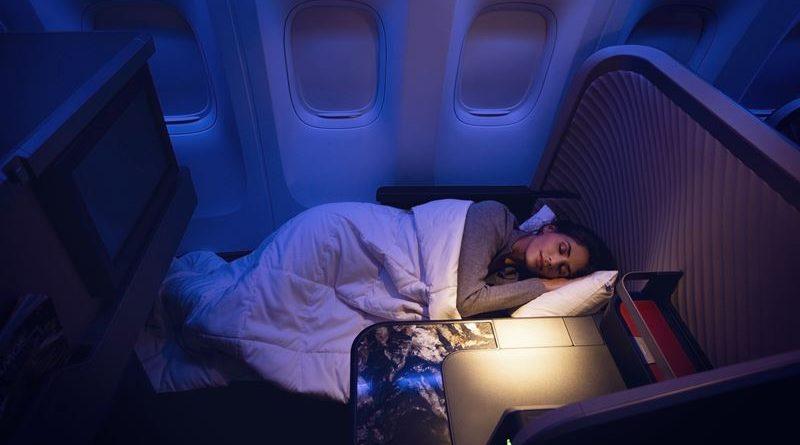 dormindo no avião LATAM
